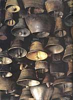 Carillon de cloches des Alpes suisses, du val d'Aoste et de la Provence, mais aussi d'Espagne, de Slovénie et de Grèce.