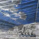 Dessin préparatoire (2007) de Christo pour le projet  « Over the River ». Crayon, pastel, fusain, peinture émaillée.