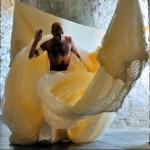 Habib Adel (compagnie Aca) dans « Toc Toc » au fort des Têtes en 2008. Photo : Nicolas Laureau.